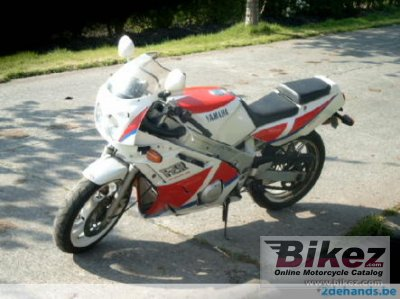 1990 Yamaha FZR 600 (reduced effect 2)