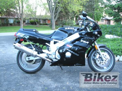 1991 Yamaha FZR 600 photo