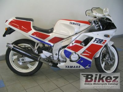 1991 Yamaha FZR 600 (reduced effect 2)