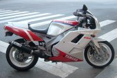 1992 Yamaha FZR 1000 photo