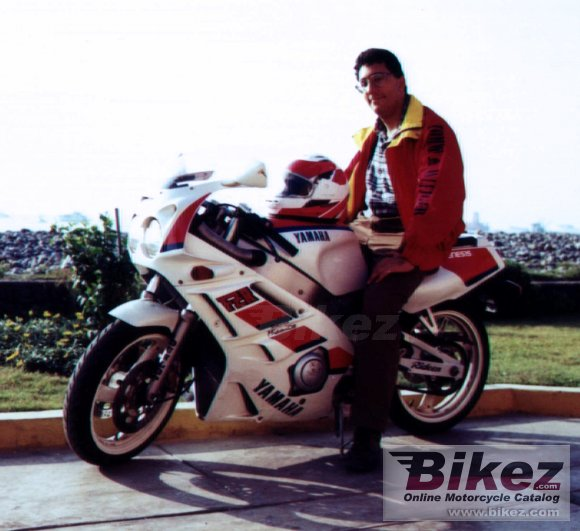 1993 Yamaha FZR 400 R Genesis