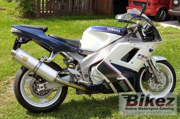1993 Yamaha FZR 1000