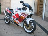 1995 Yamaha YZF 750 R photo