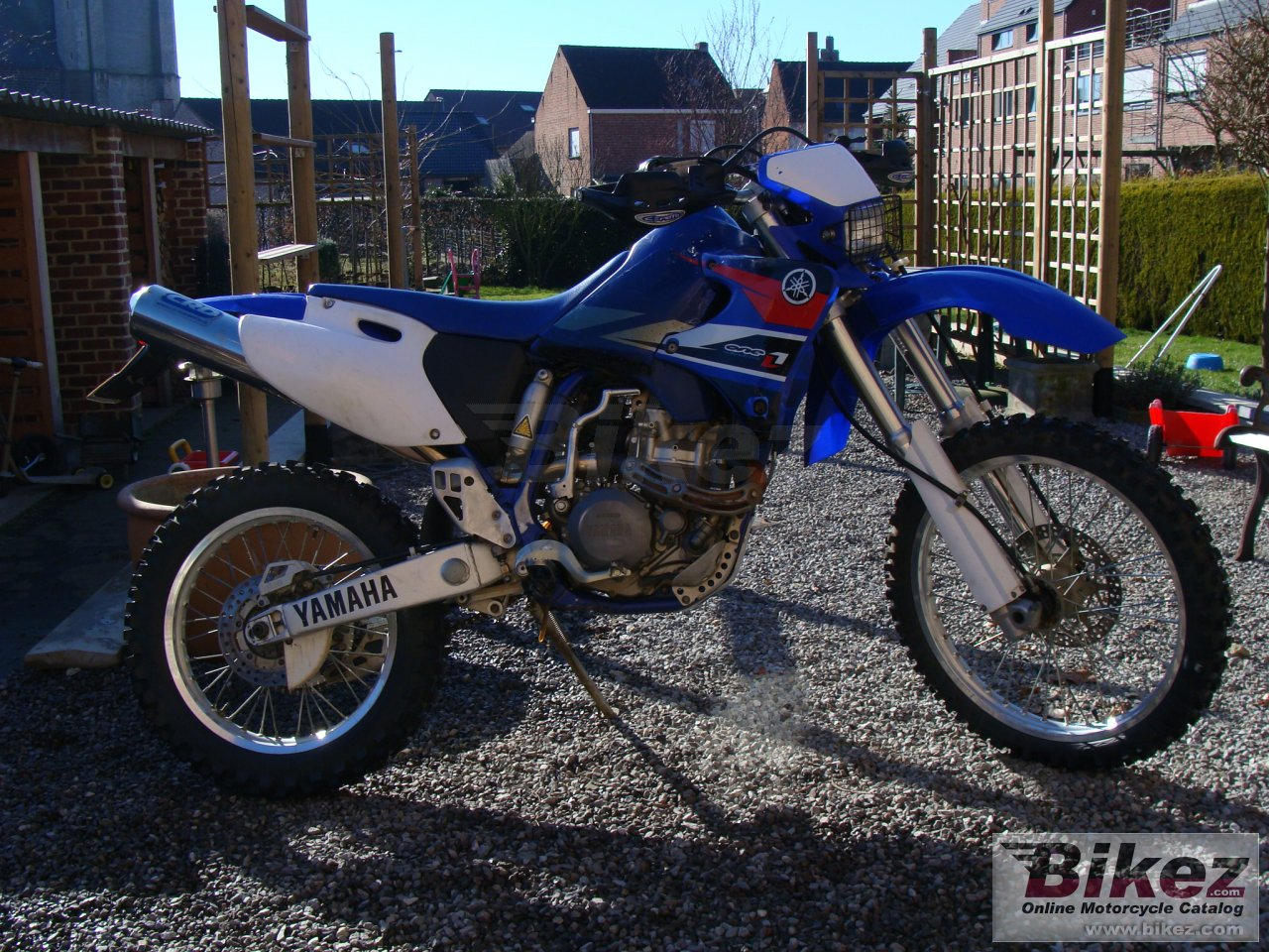 Big  wr 400 f enduro picture and wallpaper from Bikez.com