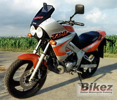 1998 yamaha tdr 125 specifications and pictures. Black Bedroom Furniture Sets. Home Design Ideas
