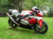 1999 Yamaha YZF-R7 photo