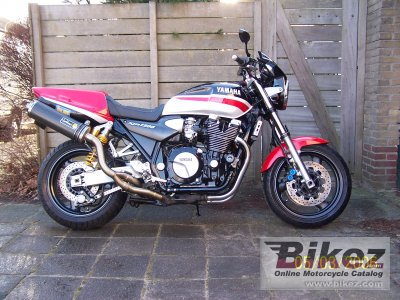 1999 Yamaha XJR 1300 photo