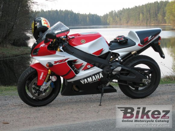 2000 Yamaha YZF-R7 photo