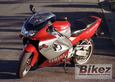 2000 Yamaha YZF 1000 R Thunderace photo