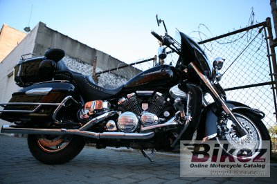 2005 Yamaha Royal Star Midnight Venture 1300 photo