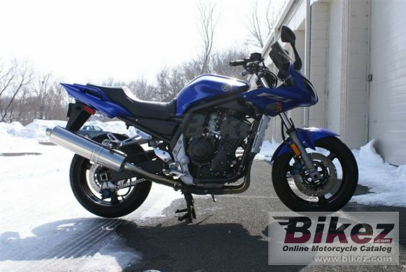 2005 Yamaha FZ1 photo