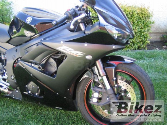 2005 Yamaha YZF-R6 photo