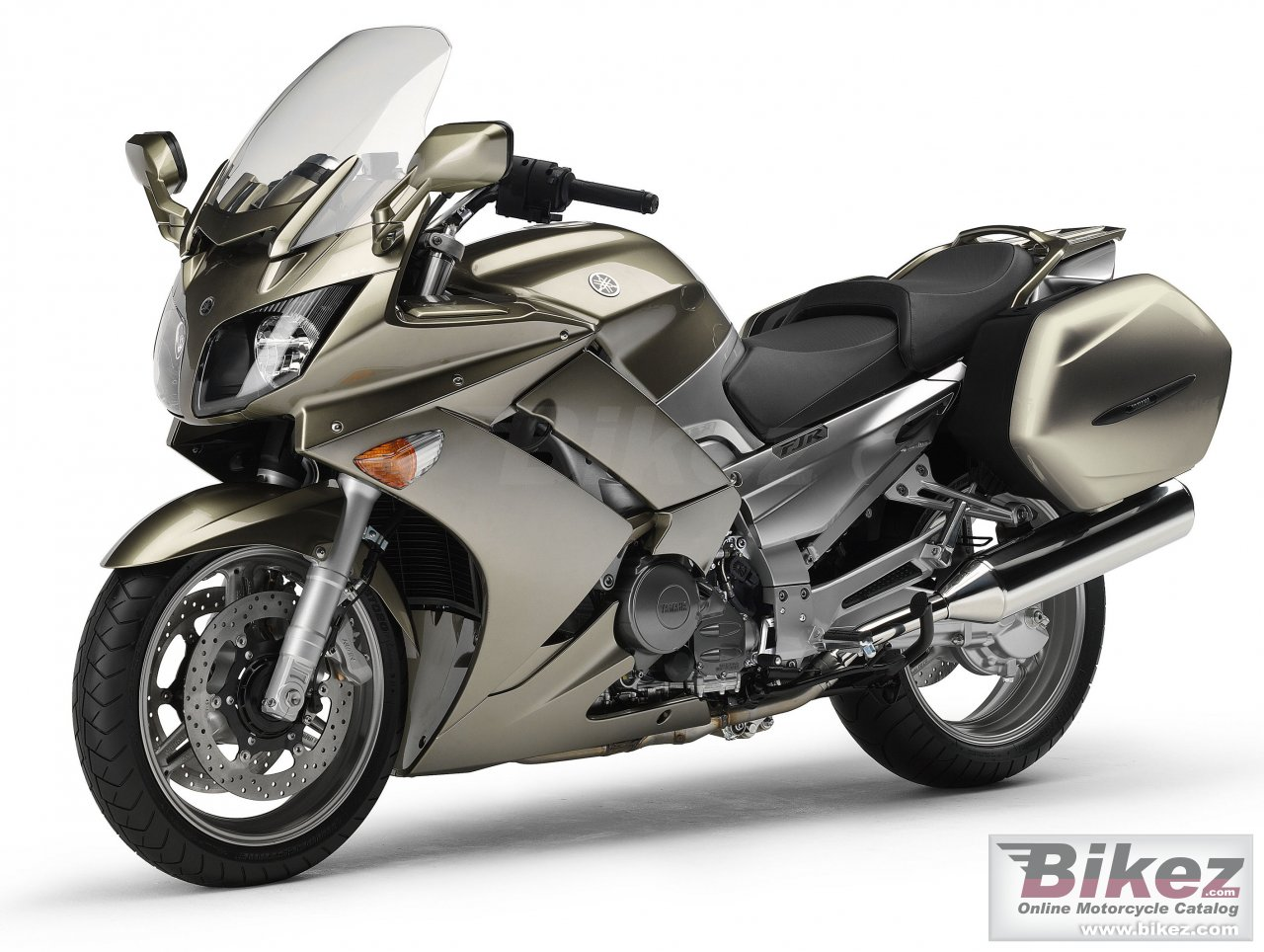 Big Yamaha fjr 1300 as picture and wallpaper from Bikez.com