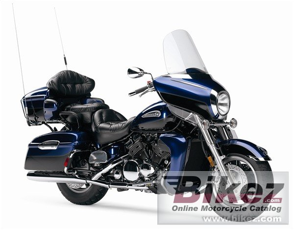 Big Yamaha royal star venture picture and wallpaper from Bikez.com