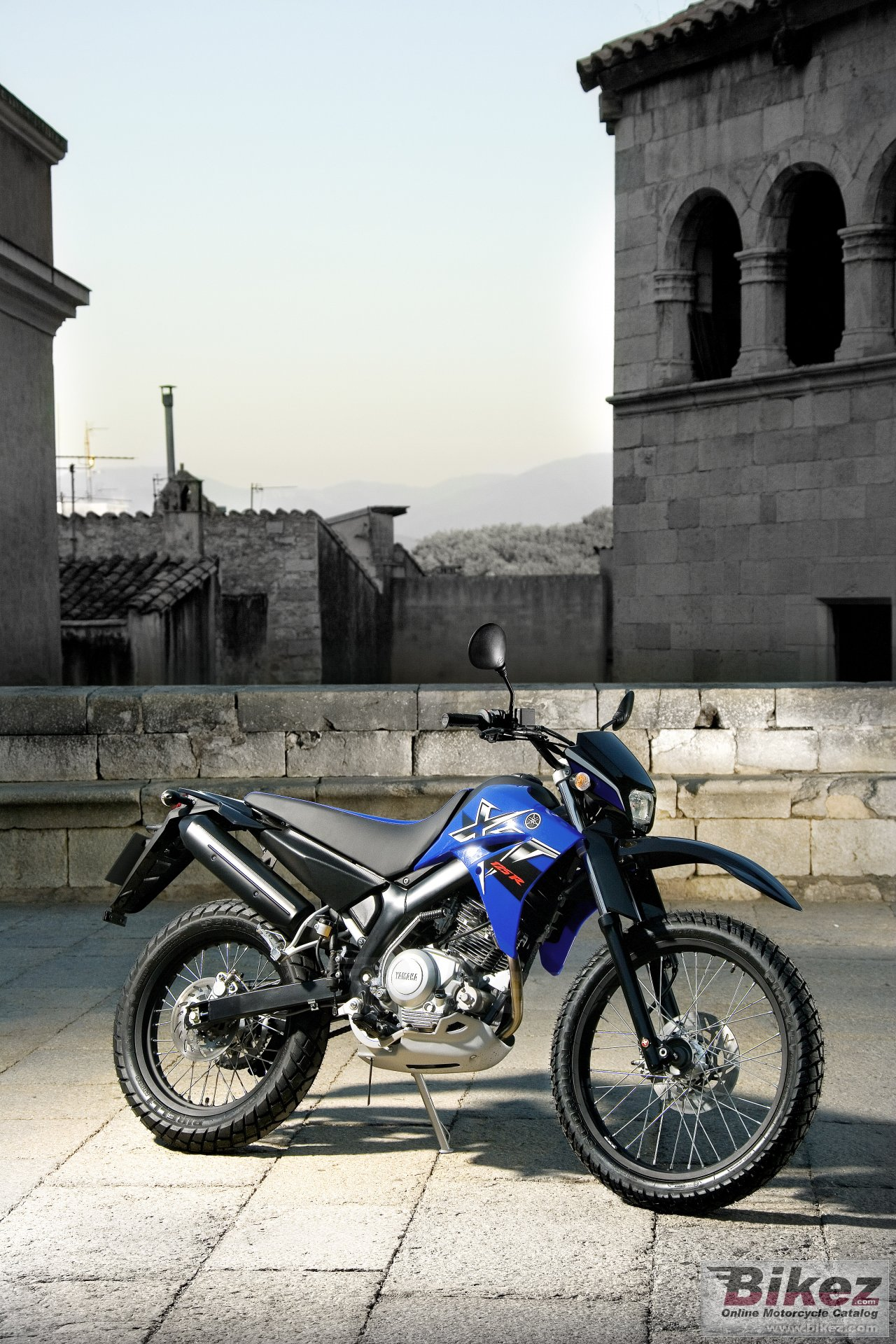 Big Yamaha xt125r picture and wallpaper from Bikez.com