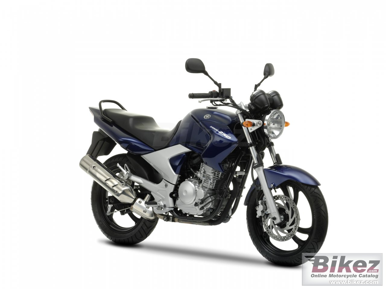 Big Yamaha ybr250 picture and wallpaper from Bikez.com
