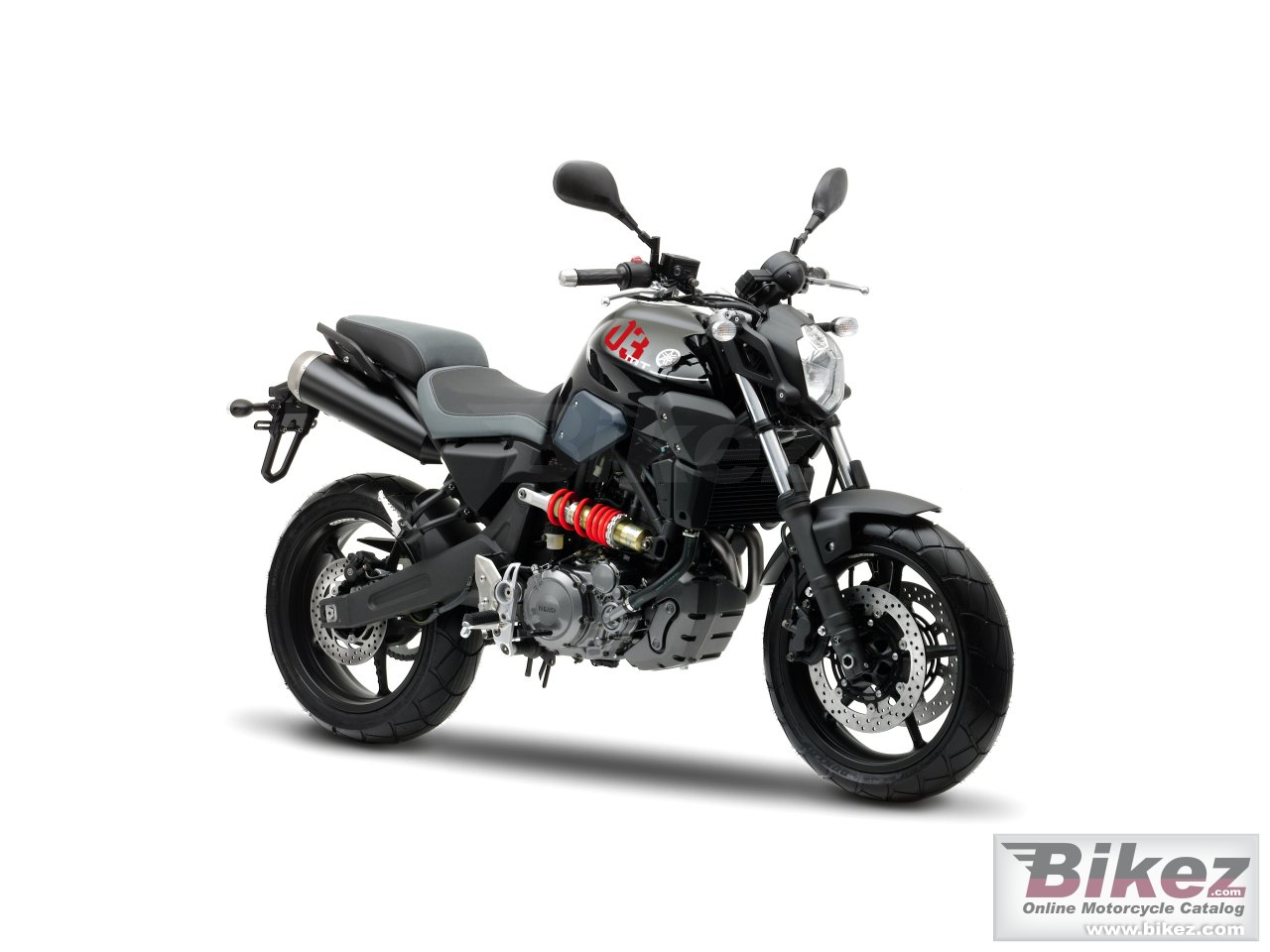 Big Yamaha mt-03 picture and wallpaper from Bikez.com