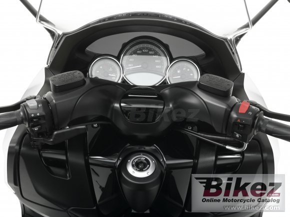 2011 Yamaha TMAX ABS photo