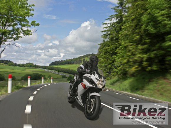 2011 Yamaha XJ6 Diversion F ABS photo
