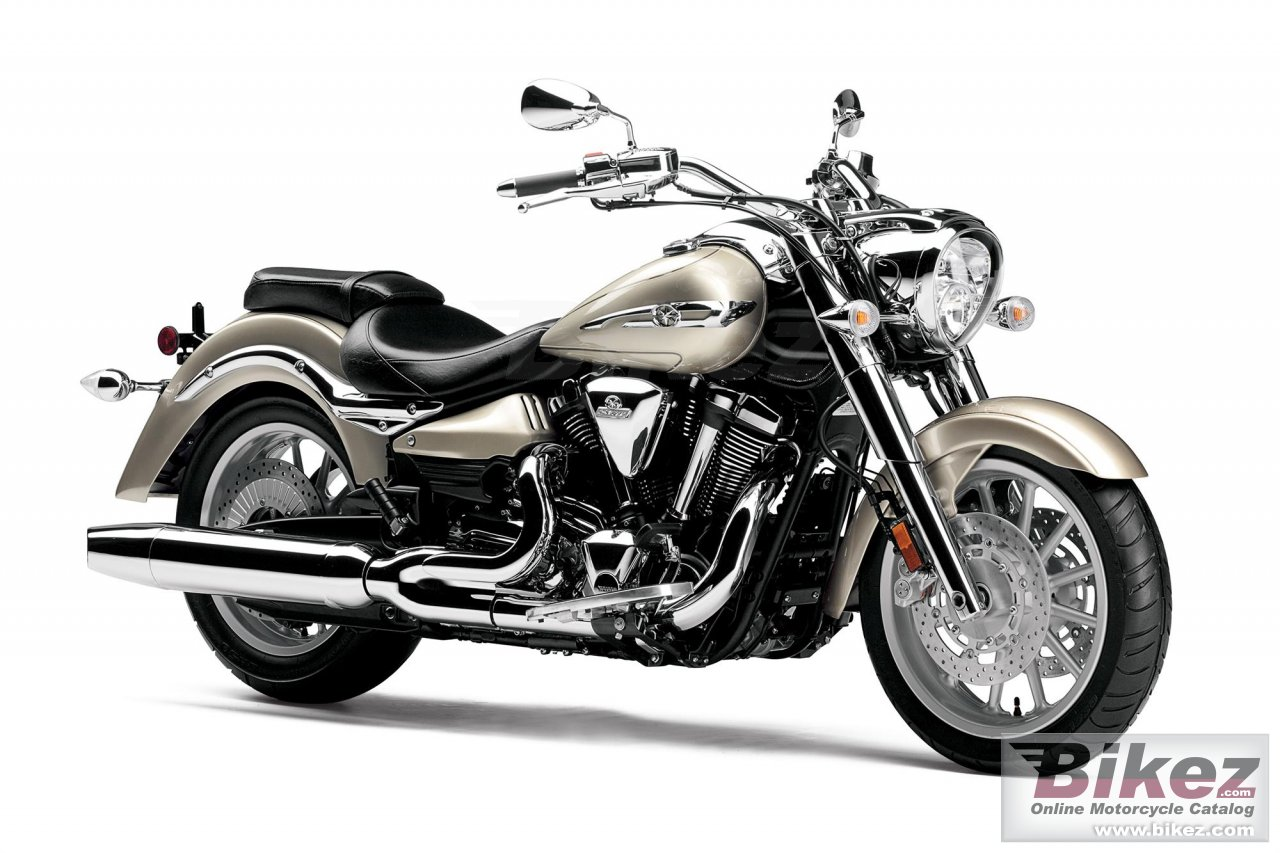 Big Yamaha star roadliner s picture and wallpaper from Bikez.com