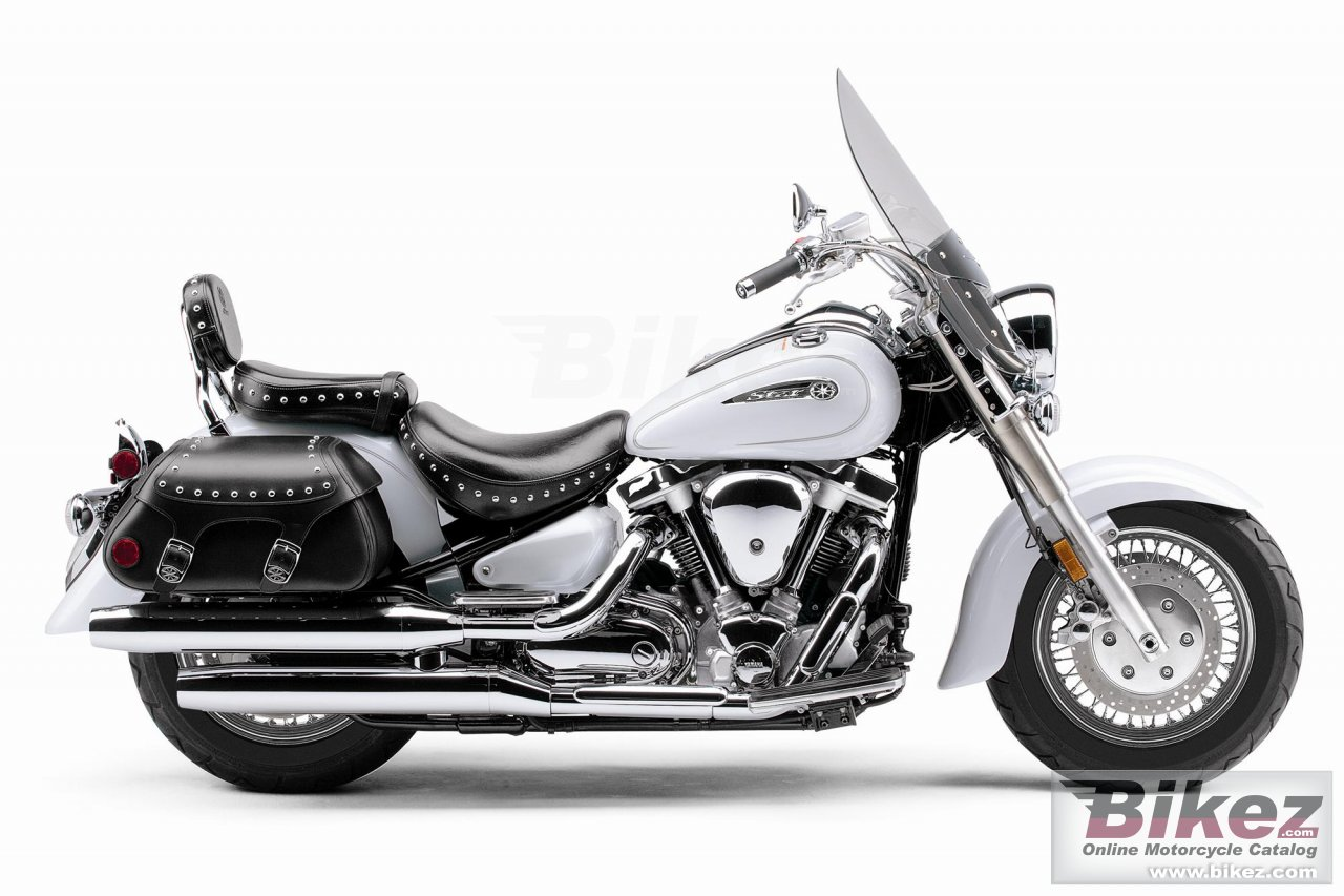 Big Yamaha road star silverado picture and wallpaper from Bikez.com