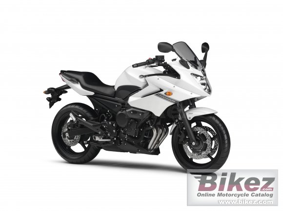 2013 Yamaha XJ6 Diversion ABS photo