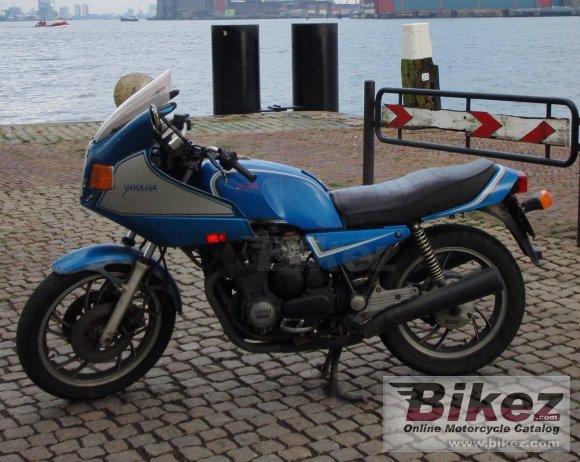YAMAHA XJ 600 DIVERSION 2000 600 cm3   moto routière   68